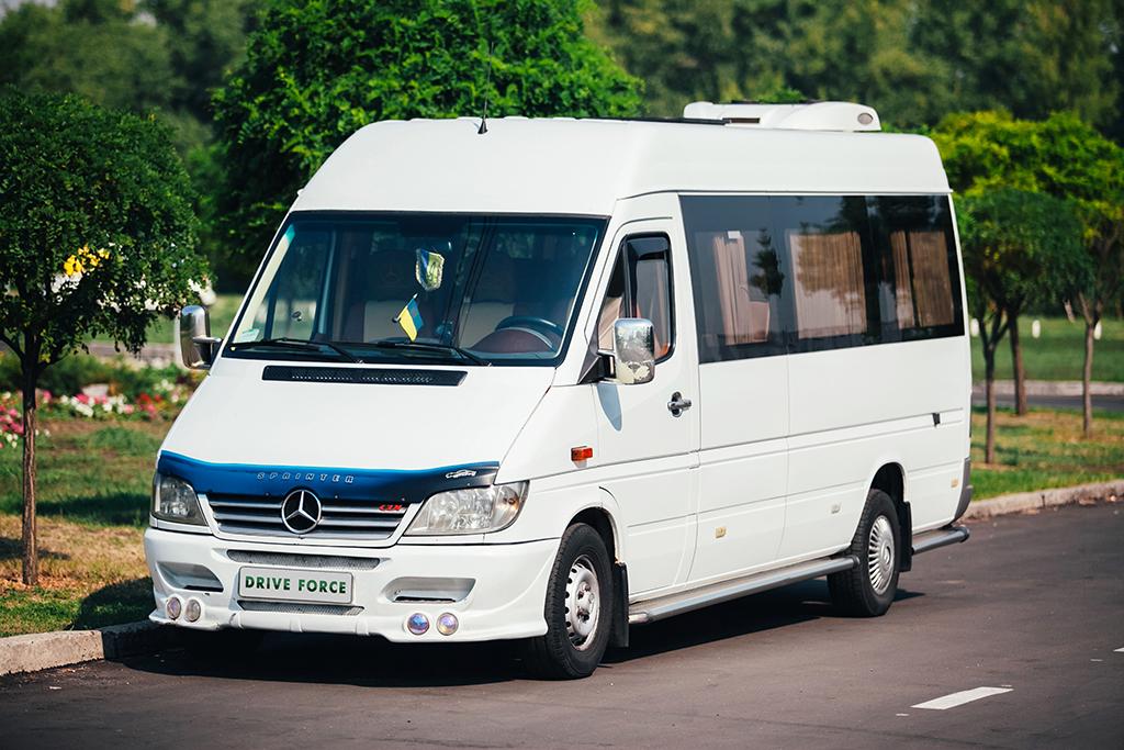 аренда микроавтобуса Киев, заказать микроавтобус Киев, аренда микроавтобуса с водителем, аренда мерседес спринтер, аренда буса,